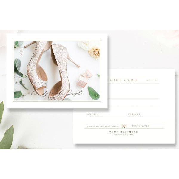 elegant-photographer-gift-card-template